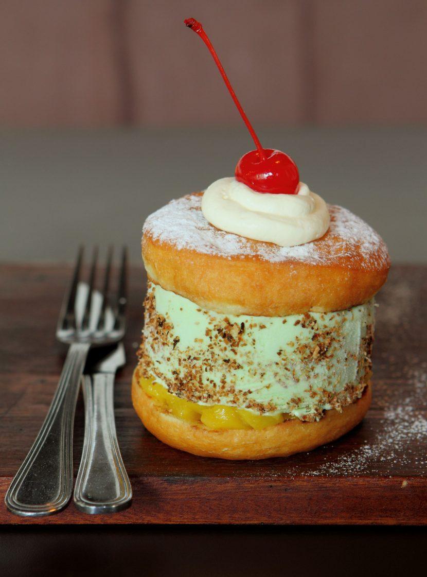 pandan ice cream doughnut burger