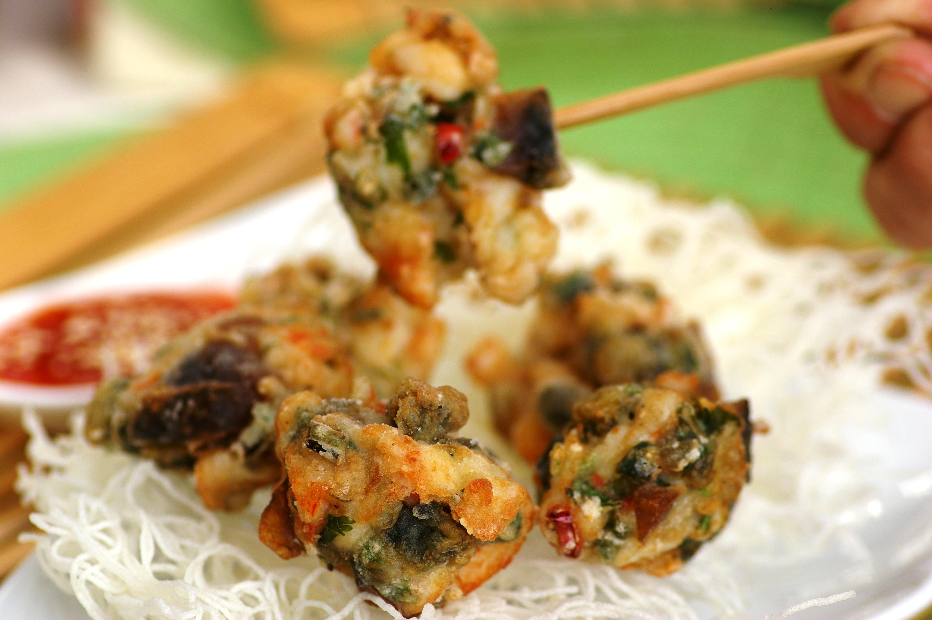Deep-fried-Seafood-Balls-wth-Century-Eggs