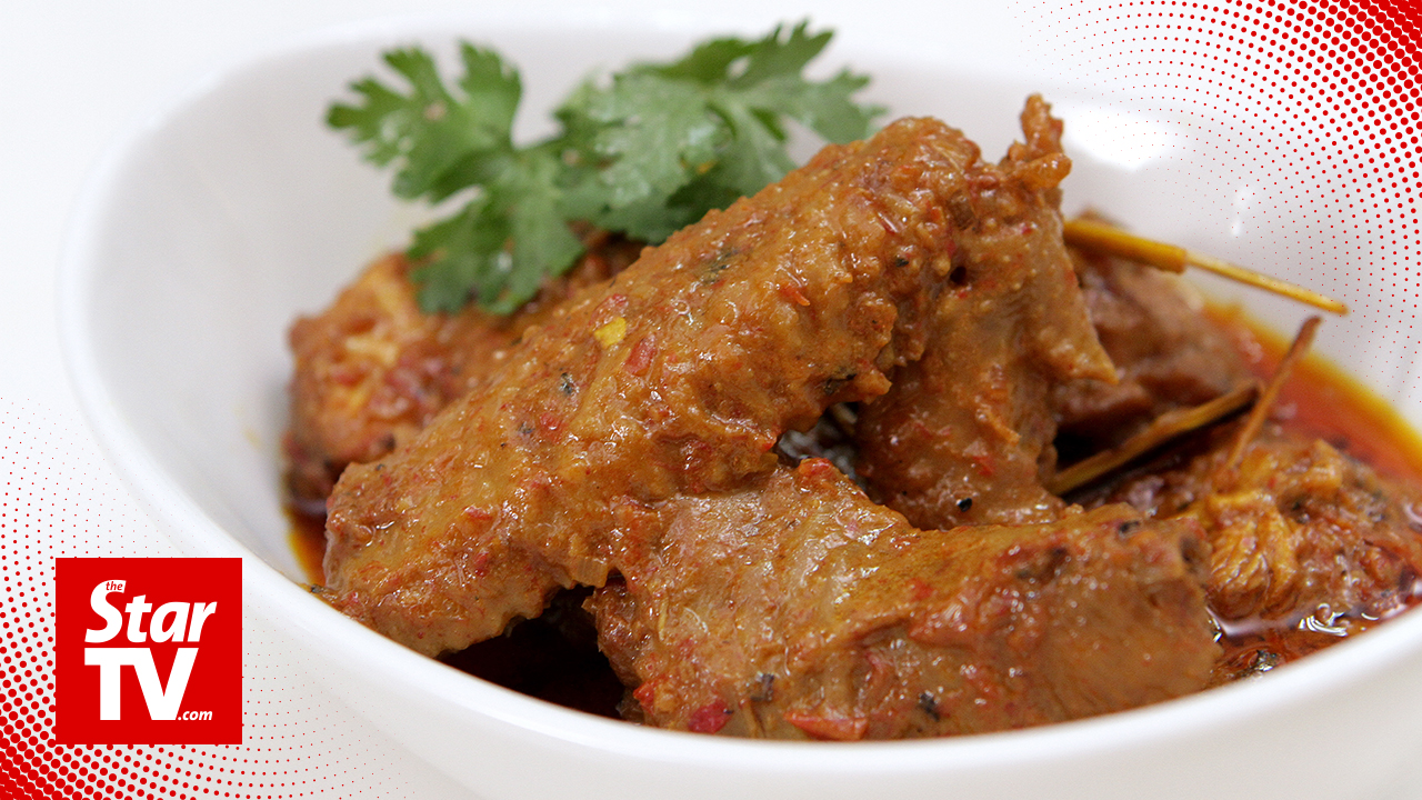 Chicken rendang with spent hen