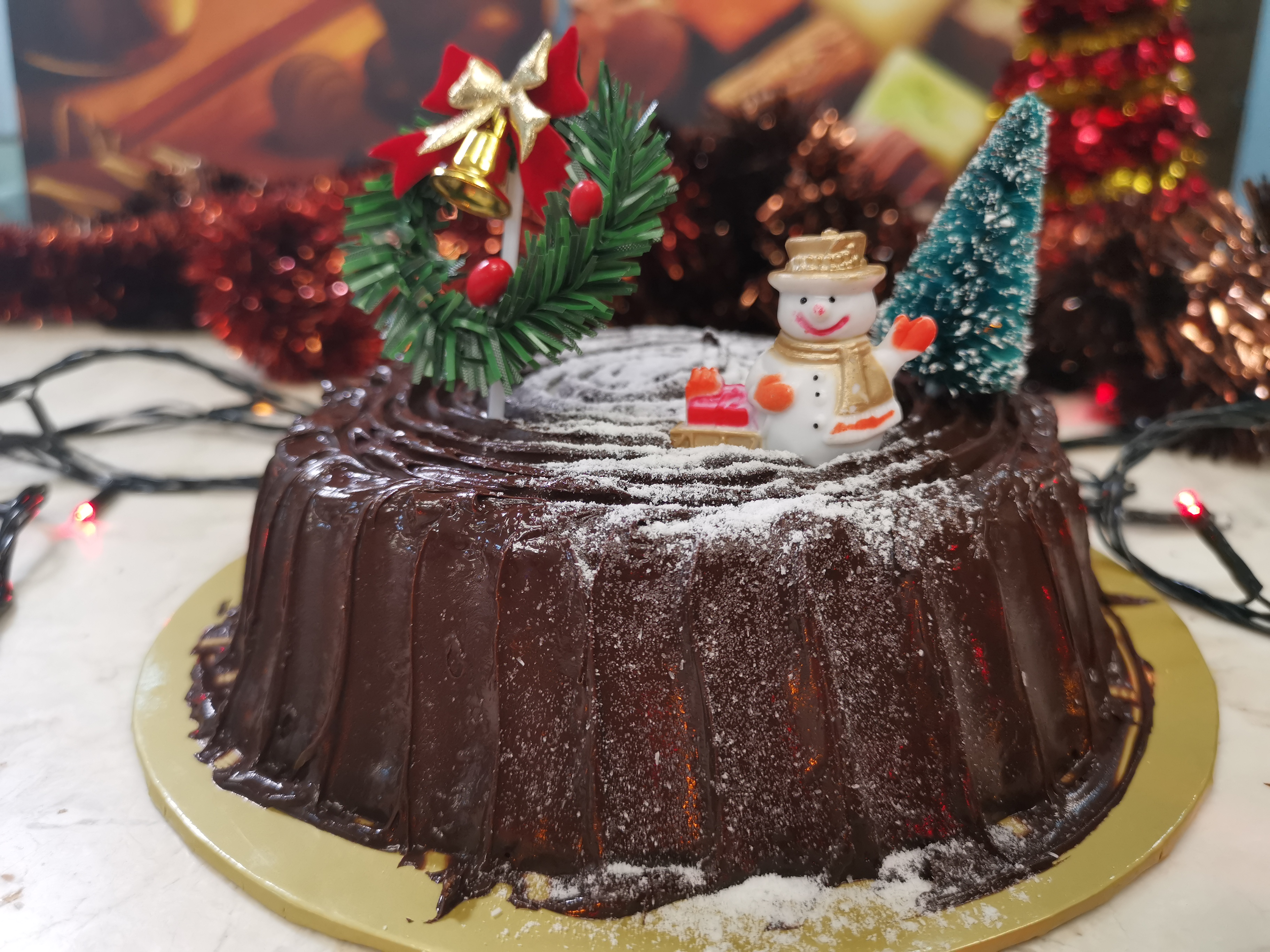 Chocolate frosting christmas cake