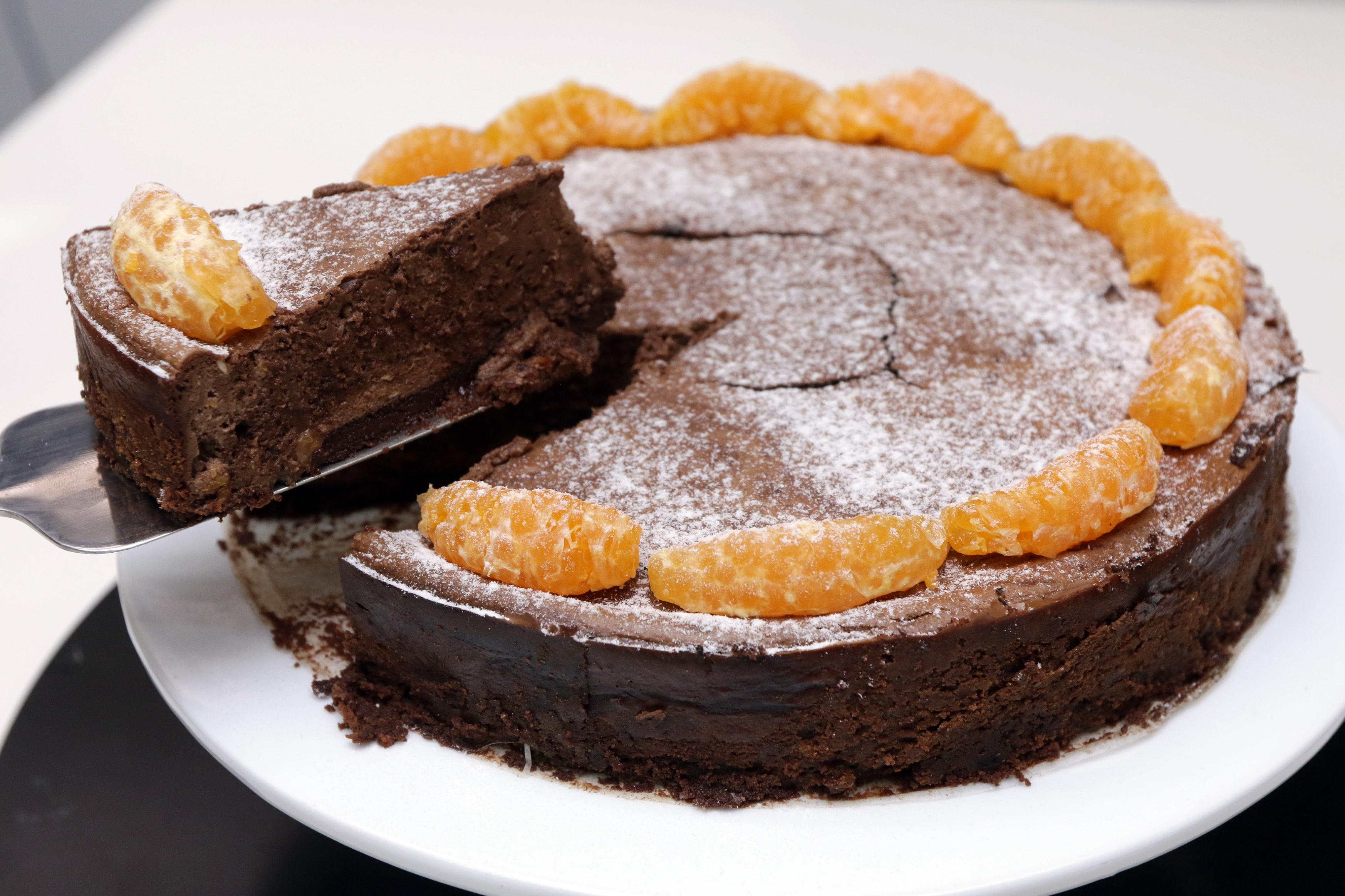 Chocolate cheesecake with mandarin orange