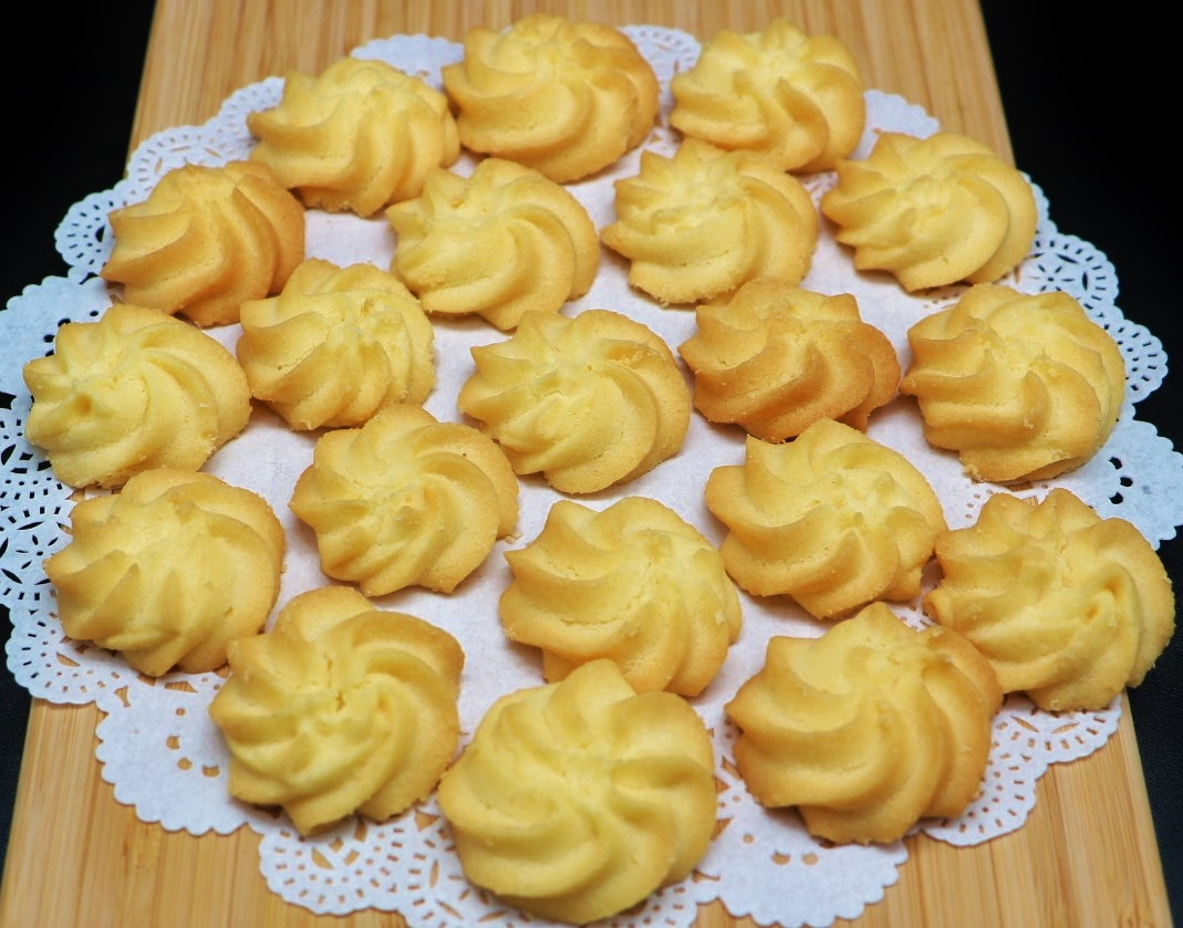 Melting Moments Butter Cookies