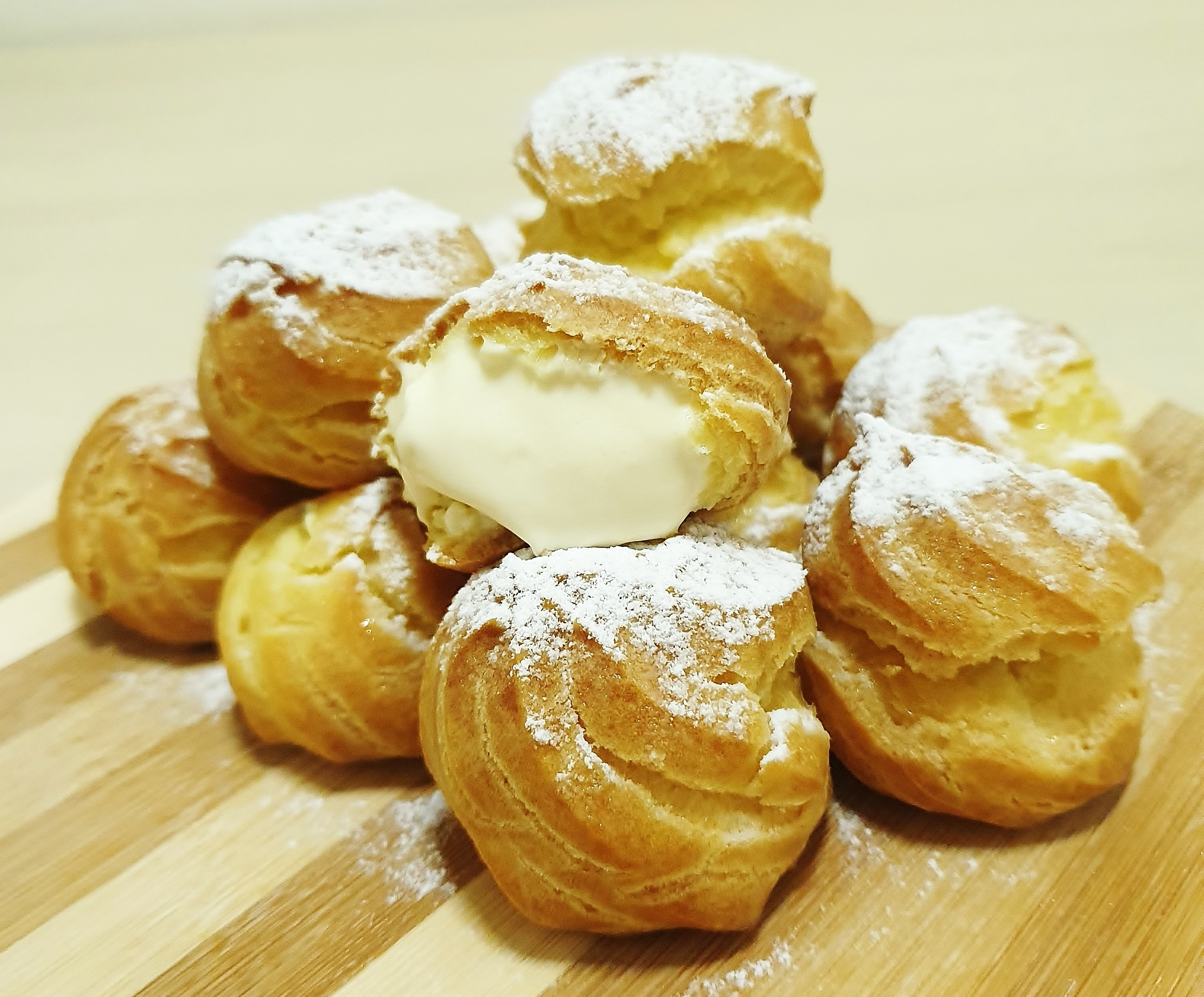 Cream Puff with Vanilla Custard Filling