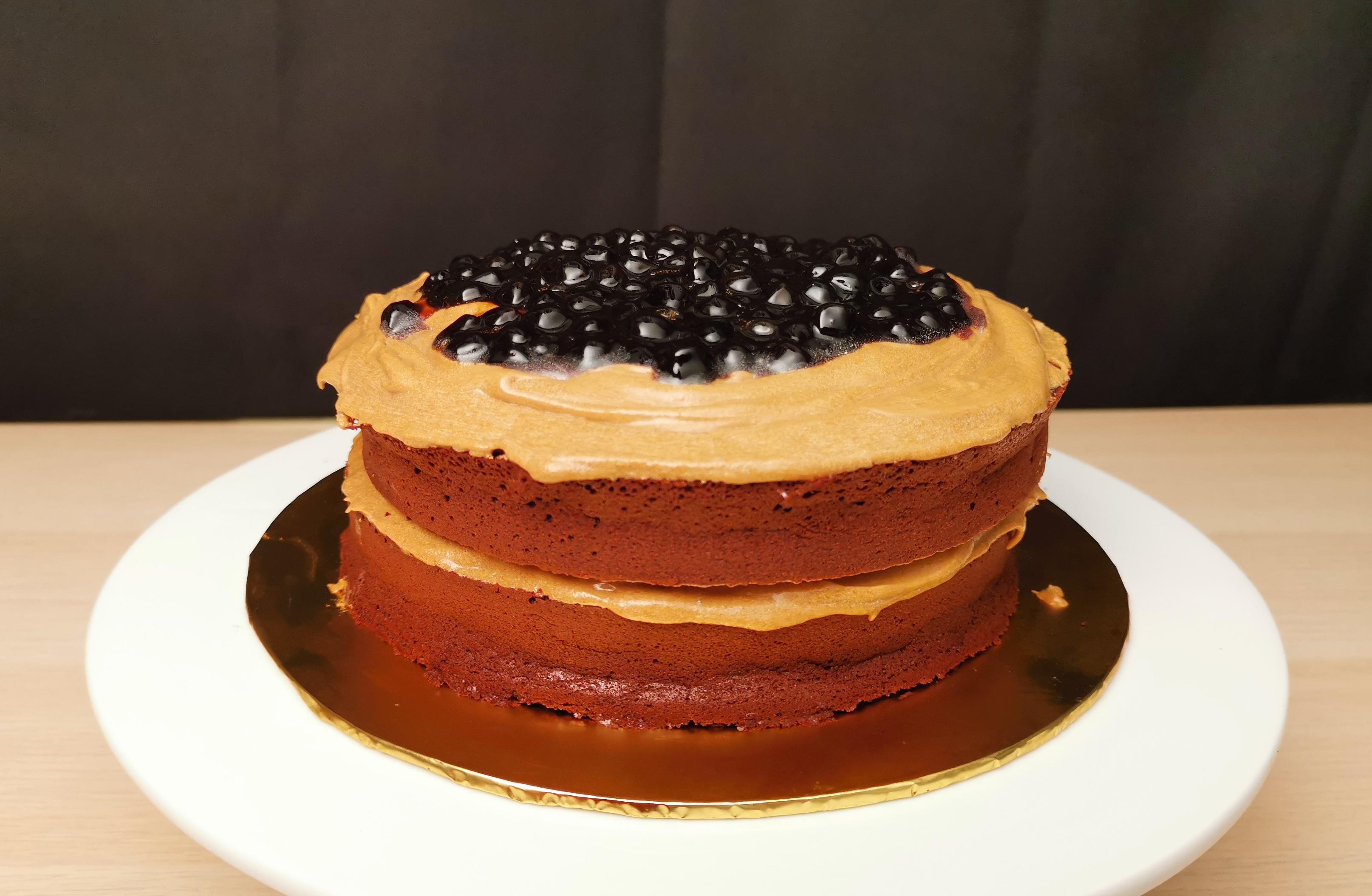 Dalgona Chocolate Cake