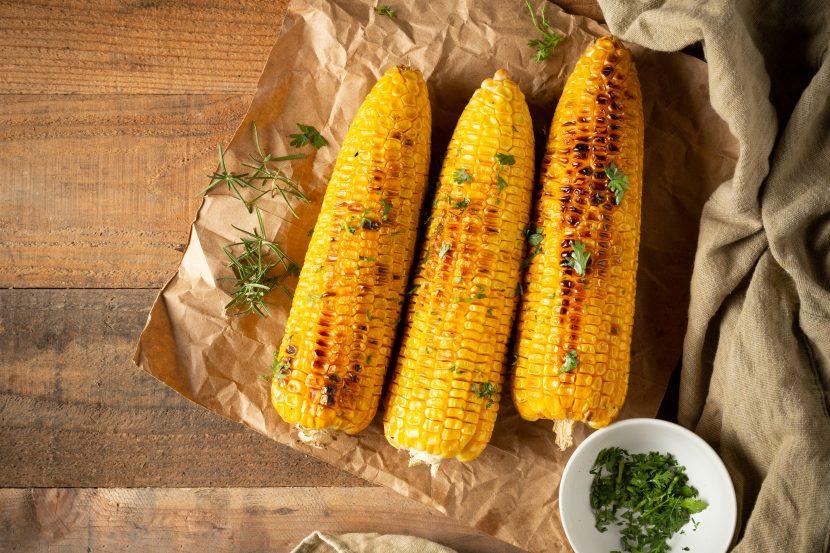 Grilled corn with Garlic Mayo