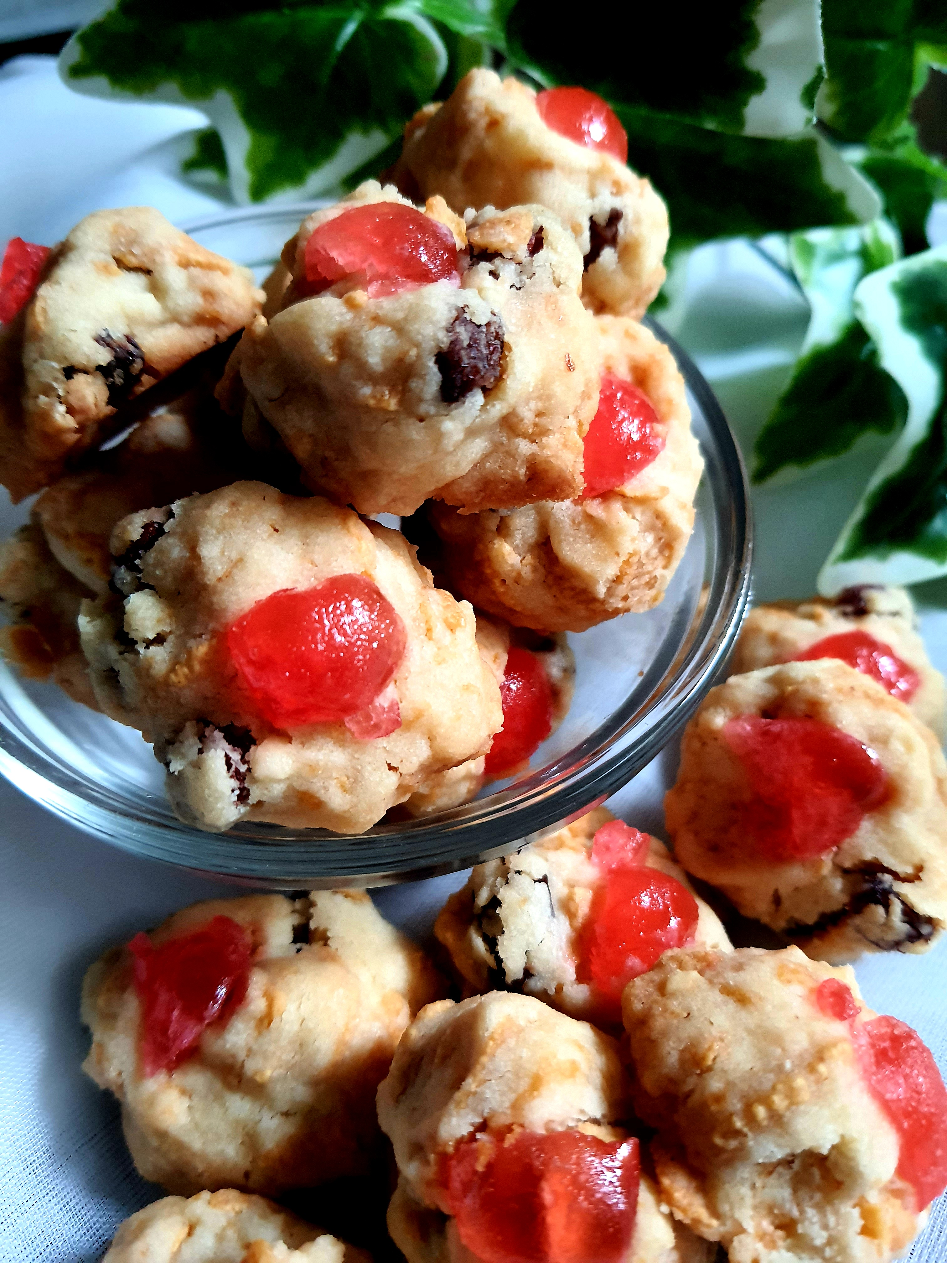 red-pearl-cookies