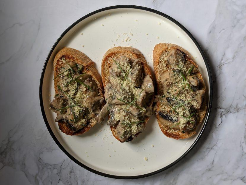 creamy-mushroom-on-toast-4