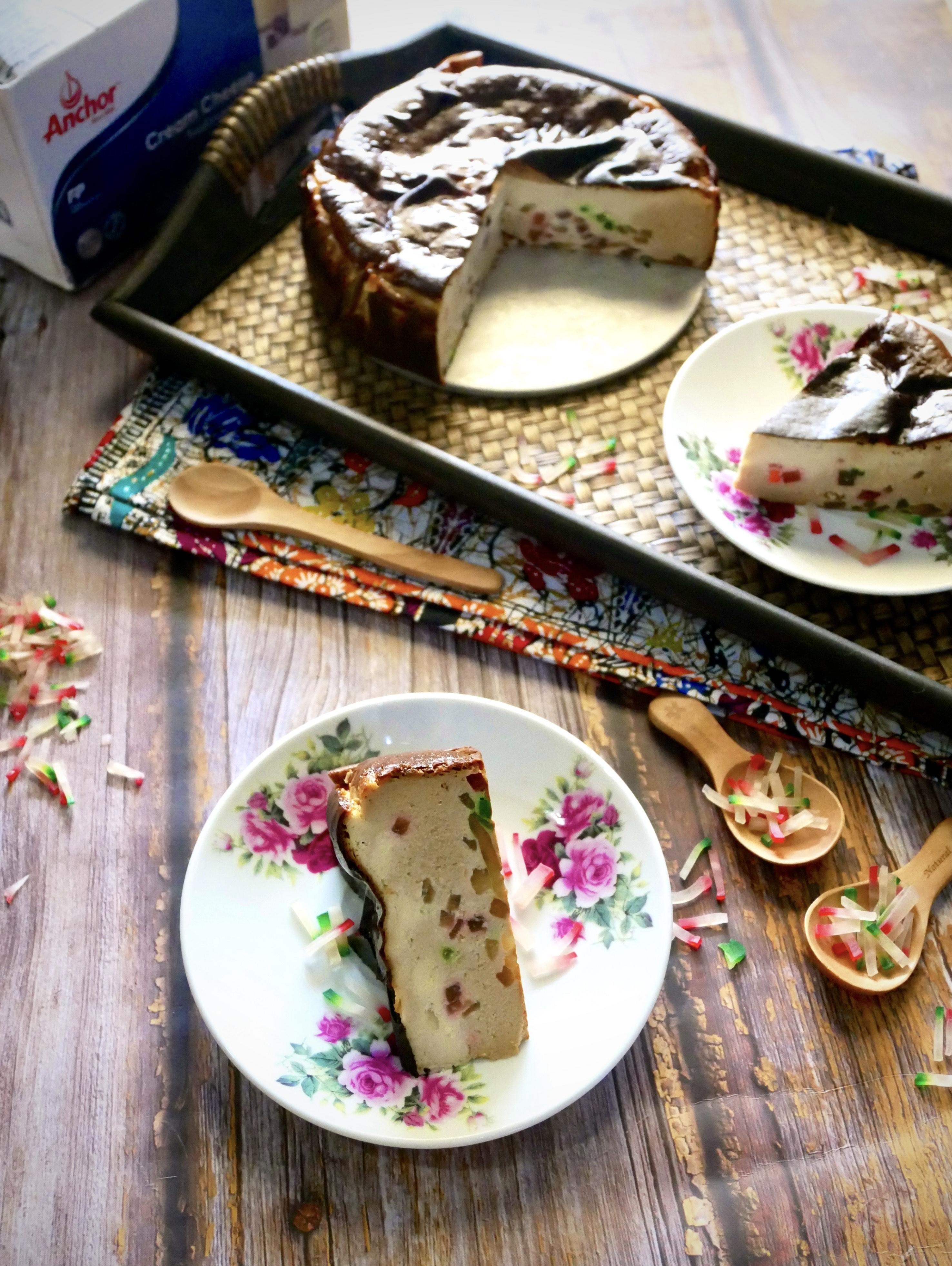 Coconut Sugar & Sekoteng Burnt Cheesecake