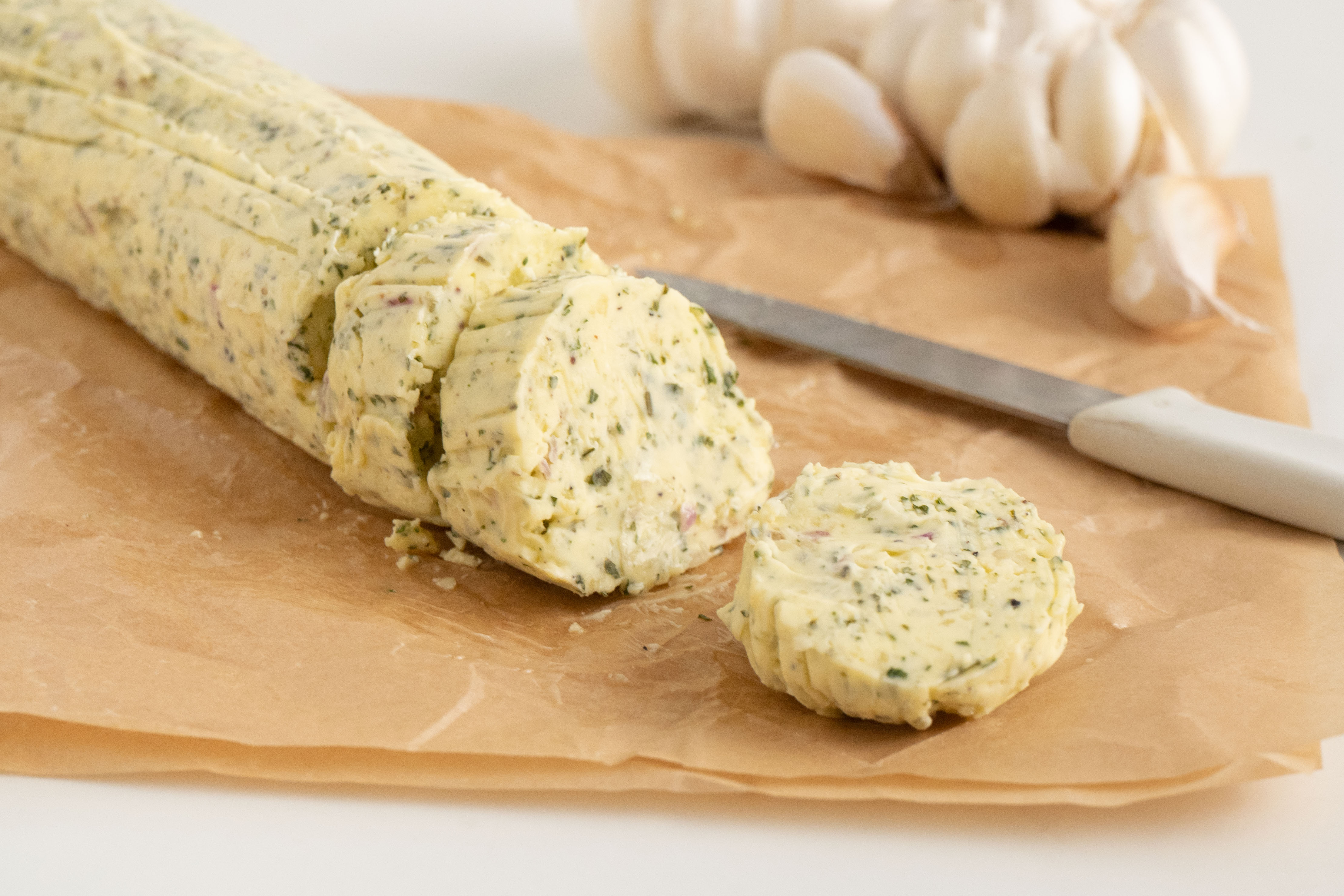 840x560-Easy-Garlic-Butter