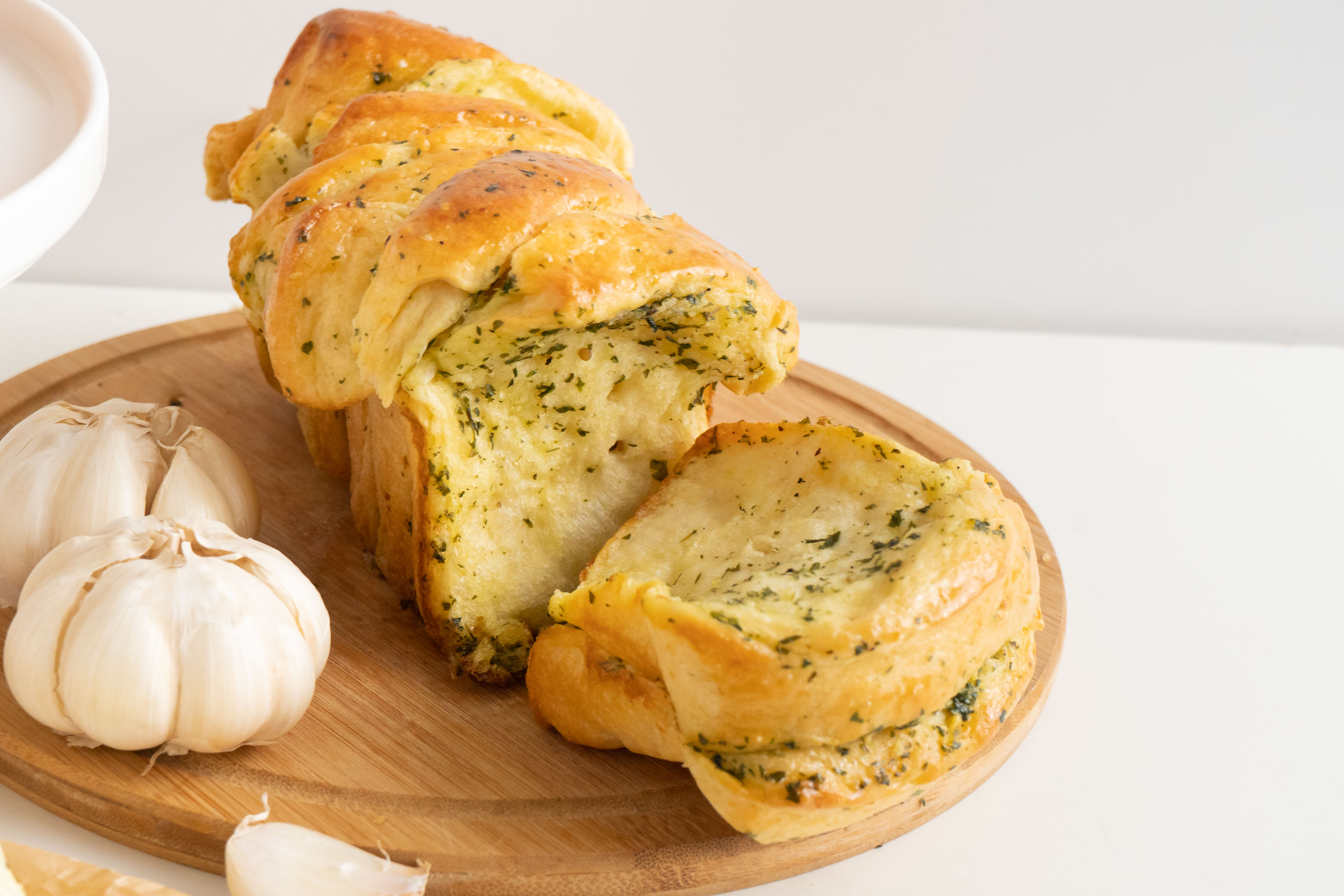 840x560-Garlic-Butter-Pull-Apart-Loaf